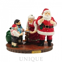 Department 56 Santa Comes to Town, 2015