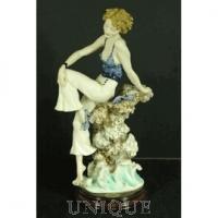 Armani Figurines Sabrina