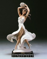 Armani Figurines Gypsy Queen