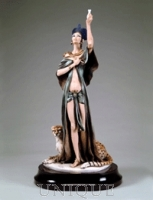 Armani Figurines Nefertiti