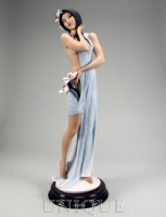 Armani Figurines Ikebana Girl