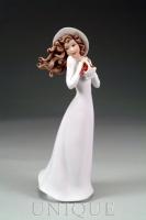 Armani Figurines Strawberry Fields