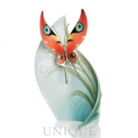 Franz Porcelain Papillon butterfly design:  centerpiece, large