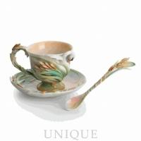 Franz Porcelain Southern Splendor: Cup-saucer set