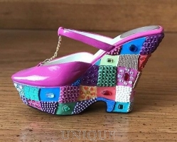 Just the Right Shoe Checkered Past, Magenta