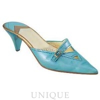 Just the Right Shoe Material Girl