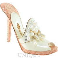 Just the Right Shoe Passionate Pearls