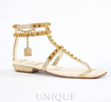 Just the Right Shoe Roman Holiday