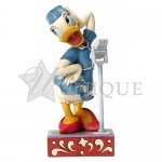Singer Daisy Duck