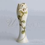 Lonicera: porcelain small flower vase