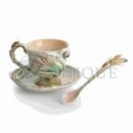 Southern Splendor: Cup-saucer set