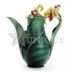Brilliant Blooms canna lily: Porcelain Teapot