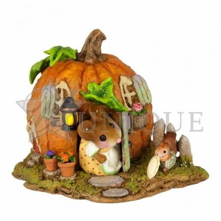 Wee Pumpkin Bungalow